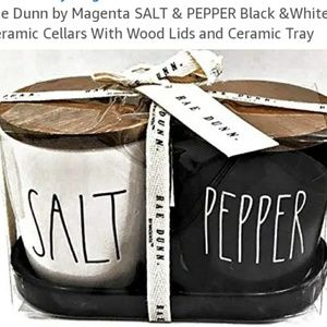 Rae Dunn Salt and pepper set with tray
